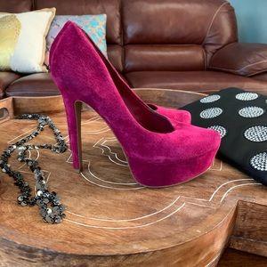 Jessica Simpson platform suede pumps - size 6